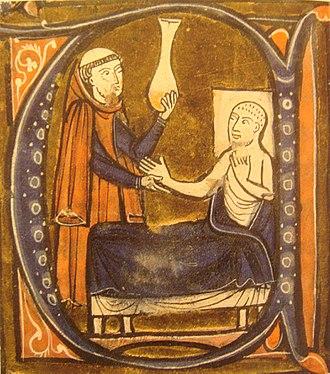 كان العالم الفارسي رازي أول من قام بتقطير الكيروسين في القرن التاسع. يمثل هنا في مخطوطة لجيرارد كريمونا.