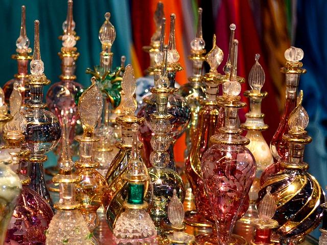 arab-perfumes-805315_640